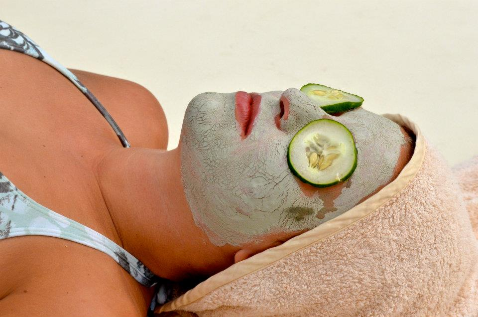 spa treatment face mud